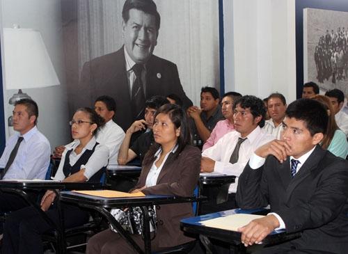 MÁS DE 500 INGRESANTES FORMAN PARTE DEL PROGRAMA DE FORMACIÓN PARA ADULTOS  SUBE EN LIMA