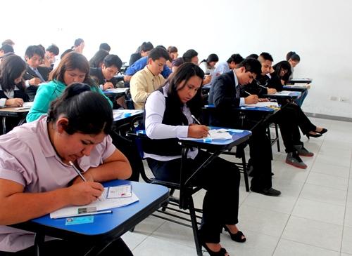 EXAMEN DE GANADORES 2014 – 1 SE DESARROLLÓ CON ÉXITO EN LA UCV LIMA ESTE (SJL – ATE)